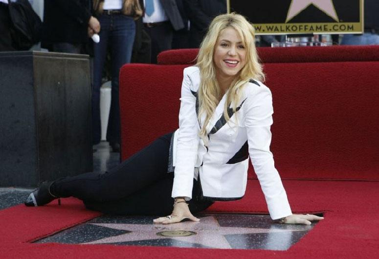 Shakira Hollywood Bulvarında Ünlü Şöhretler Kaldırımı' nda bir yıldız sahibi oldu